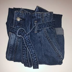 ABERCROMBIE & FITCH MOM JEAN